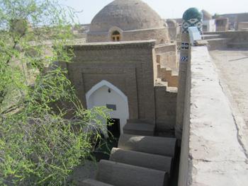 Shakalandar Bobo Mausoleum (16th century) - (Dishan-Kala)